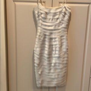 BCBG tired sleeveless cocktail size 2 white dress